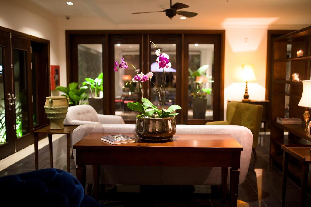 Spacious, great amenities, host is very helpful.
